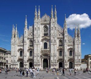 Автобус а Італію, Міланський собор